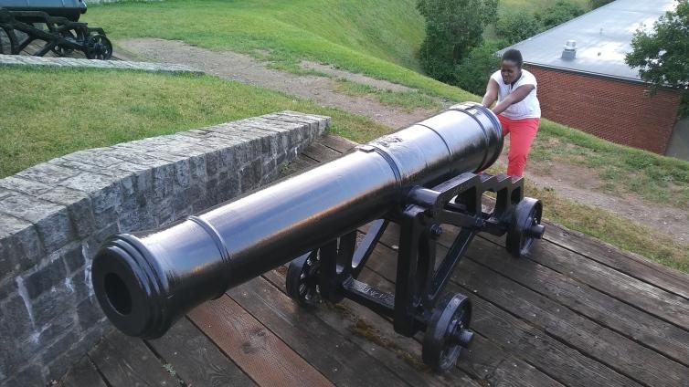 Cutey with big cannon