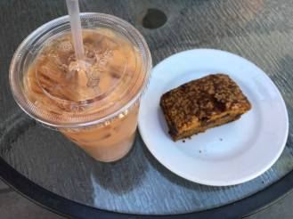 Iced-Chai and pumpkin bread