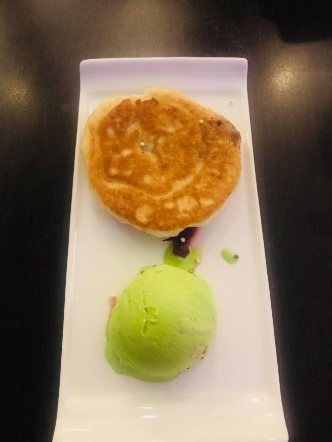 Hotteuk with green tea ice-cream