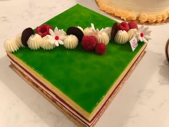 Mango raspberry cake