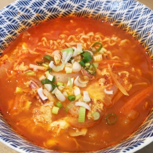 Spicy seafood rameon