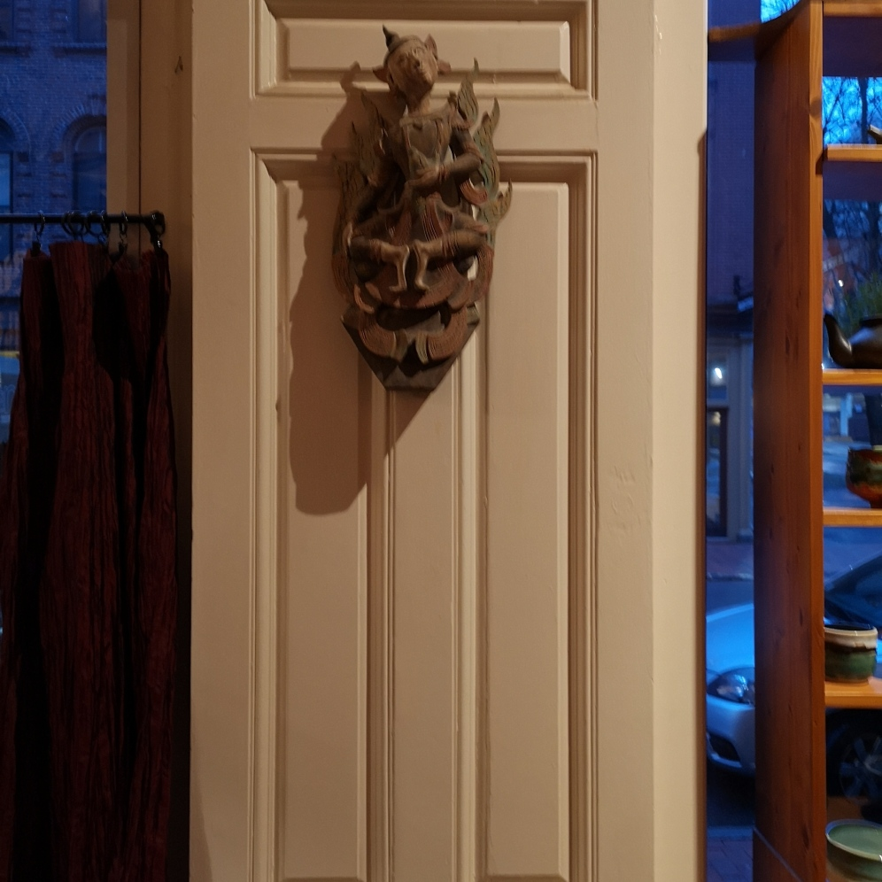 Fascinating door ornament