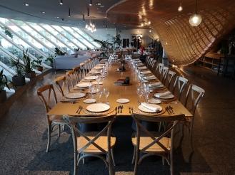 Inside Restaurante Contrapunto les Arts